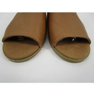 BAMBOO Shoes - Bamboo Open Toe Side Cut Out Flat Sandal Tan Brown